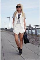 heather gray BOOM BAP t-shirt - white shorts - white vest