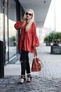 Black-shoes-black-jeans-bronze-zara-bag-camel-sunglasses-tawny-blouse