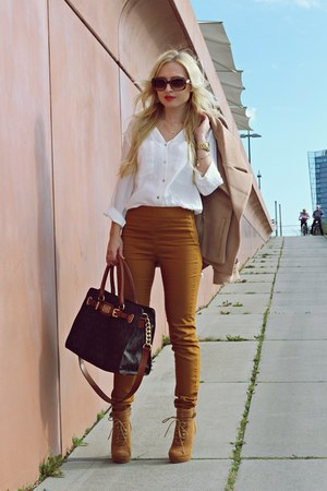 nude coat - bronze shoes - brown bag - light brown sunglasses - mustard pants