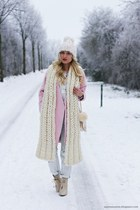 ivory hat - light pink coat - light blue jeans - ivory scarf - ivory bag
