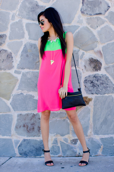 hot pink Love dress - black Forever21 bag - aviators rayban sunglasses