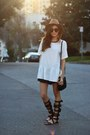 Tan-oversized-hat-nordstrom-hat-black-relaxed-2020ave-shorts