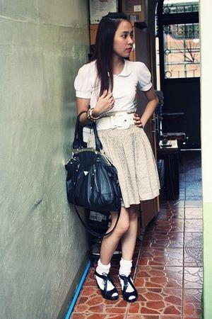 Jellybean skirt - black Prada purse - black Parisian Jr shoes - white Kamiseta b