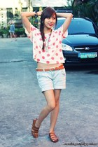 light blue shorts - hot pink The Ramp shirt - tawny babo sandals - silver cross