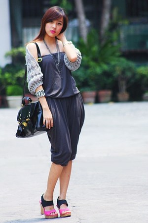 black bag - hot pink wedges - heather gray cardigan - gray romper