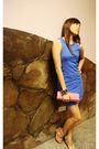 Blue-dress-pink-purse-pink-shoes
