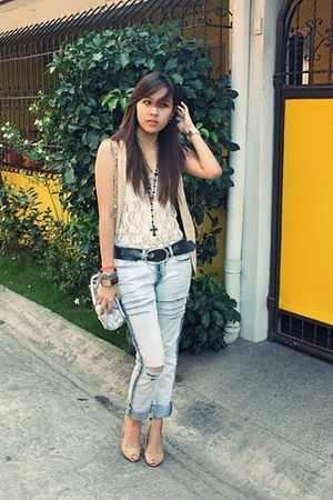beige mario d boro shoes - blue diy ripped bench jeans - silver prp bag