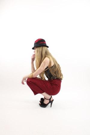 red hat - black sequin tank top blouse - black Forever 21 heels