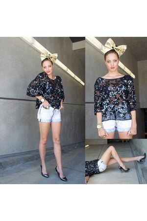black vintage blouse - blue Levis shorts - beige Little Von Loo accessories