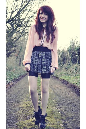 light pink sheer Primark blouse - neutral im laddered House of Holland tights