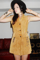 Ecote Urban Outfitters hat - True 70s vintage dress