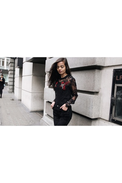 black lace top Stradivarius top