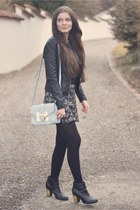 Aldo bag - new look boots - new look jacket - brandy melville ring - Zara skirt