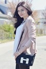 Light-pink-vero-moda-blazer-black-aldo-bag-white-primark-top