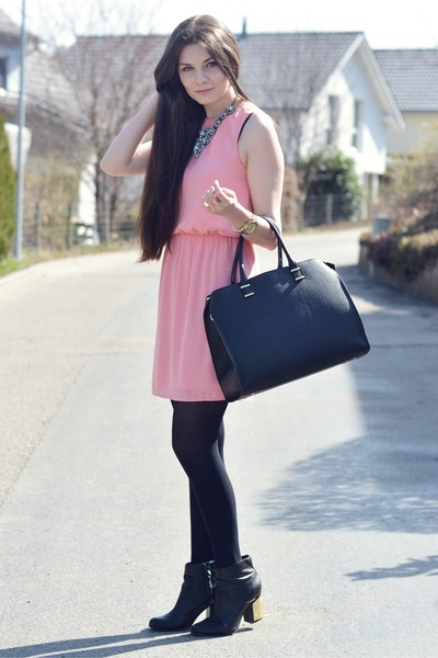 bubble gum H&M dress - black new look boots - black H&M bag