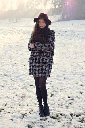 black H&M boots - black Mango coat - maroon H&M hat - black H&M scarf