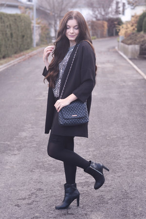 black K by Kookai boots - black H&M coat - black Mango bag