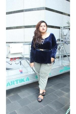 velvet unbranded blouse - Harajuku Lovers shoes - boyfriend American Eagle pants
