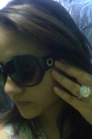 Avon ring - Oriflame sunglasses