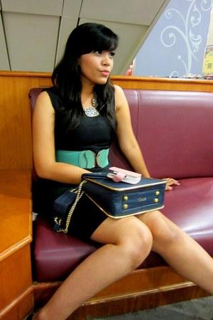 black The Executive dress - navy Chloe bag - leopard necklace - Magnolia belt