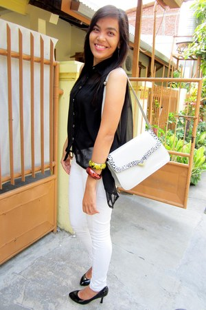 black shifon shirt - off white jeans - black heels