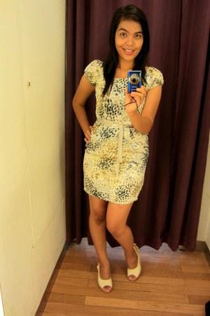 cream wedges - dress