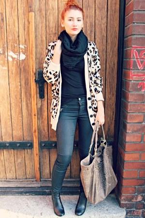 black H&M boots - black c&a scarf - black Only pants