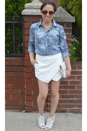 white romwe shorts - blue the gap blouse - white Shoe Dazzle sandals