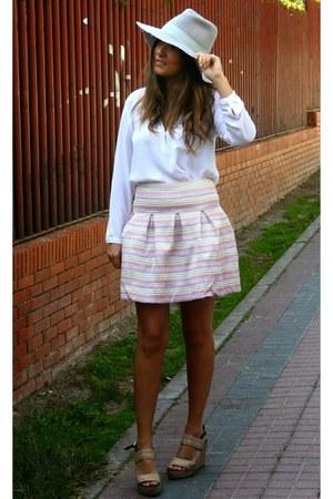 Zara hat - Zara blouse - Marisa Rey heels