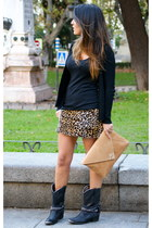 hakei boots - the code bag - Las pepas skirt