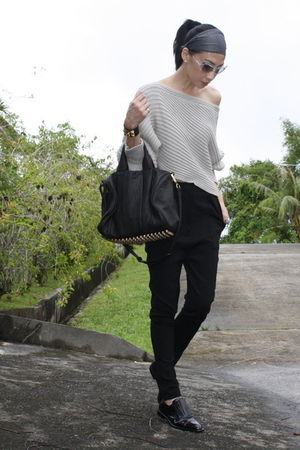 gray Alexander Wang sweater - black Alexander Wang pants