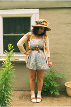 cream flats Urban Outfitters shoes - tawny vintage straw unknown brand hat - cre