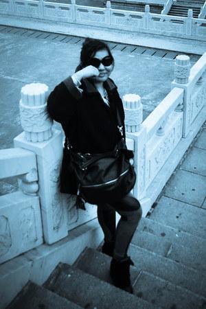 black coat H&M coat - dark gray printed H&M leggings