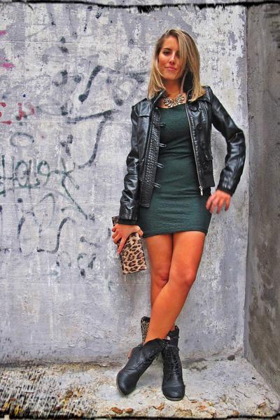 Кожаное платье с кожаной курткой