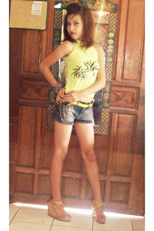 green Jewels blouse - gray Jewels shorts - gold Rusty Lopez shoes