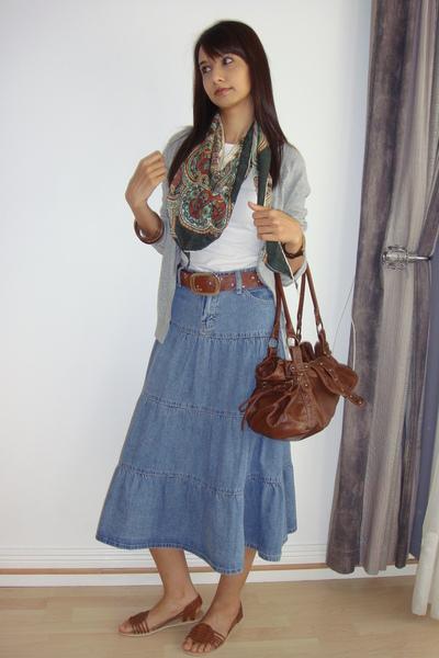 Woolworths sweater - Mr Price belt - Primark skirt - Woolworths purse - Mr Price