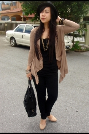 H&amp;M blouse - Miss Selfridge jeans - Forever21 hat - c&amp;k purse - Eclipse shoes