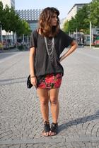 H&M t-shirt - Topshop t-shirt - New Yorker skirt - Zara skirt