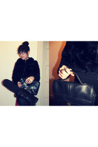 faux fur jacket - motorcycle boots - vintage leather bag
