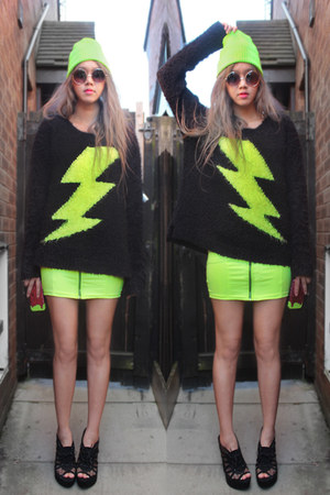 black neon lightning Primark sweater - chartreuse neon zip H&M dress