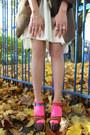 Neon-primark-socks-faux-fur-collar-river-island-coat-bow-h-m-hat