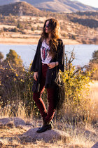 black Charlotte Russe boots - crimson American Eagle jeans
