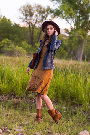 bronze desigual dress - brown Two Lips boots - dark brown Forever 21 hat