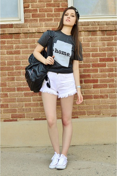 dark gray Home T shirt - black faux leather Express hat