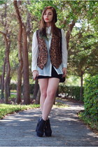 brown leopard Vintage by Shevahh vest - black high waisted Forever 21 skirt