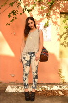 navy bleached Soluna Threads jeans - silver tank top Urban Outfitters t-shirt