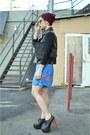 Crimson-beanie-oxblood-h-m-hat-turquoise-blue-skort-vintage-skirt