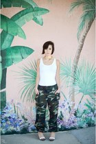 olive green camo camo pants pants - white tank top Forever 21 top