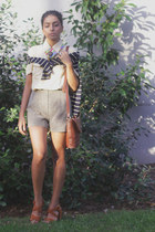 light yellow vintage shirt - dark khaki RMV shorts - navy vintage jumper