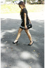 Black-numeral-zara-dress-black-clutch-steve-madden-bag